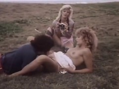 Ginger Lynn Allen, Lois Ayres, Bunny Bleu in classic fuck
