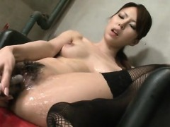 Fleshly pussy toying for bounded oriental chick in stockings