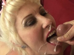 Real mature milf has anal