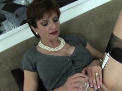 Cheating English Milf Lady Sonia Flashes Her Giant Knockers