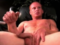 Mature Amateur Lars Jerks Off
