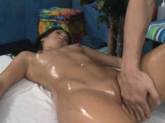 Wacko whore takes dong from her massage therapist