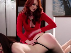 Intense MILF and Teen lesbian foreplay
