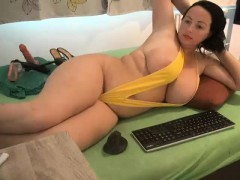 Hot BBW pops one of her boobs out of her bra