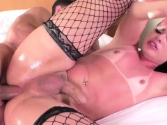 TS hottie Lara Machado in sexy anal bang