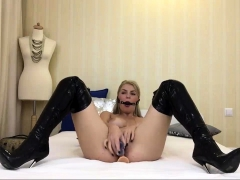 Hot Mom in Latex and Gagged Live on Cam