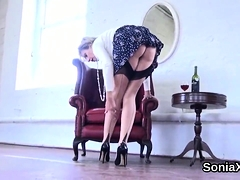 Unfaithful Uk Mature Lady Sonia Presents Her Monster Balloon
